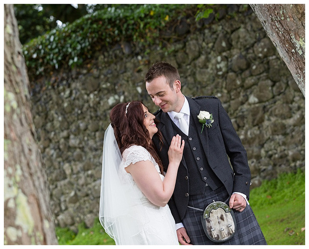 Ballygally Castle Wedding Photographs by Ricky Parker Photography 45